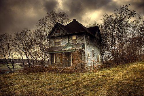 House On A Hill Creepy Houses Abandoned Houses Old Abandoned Houses