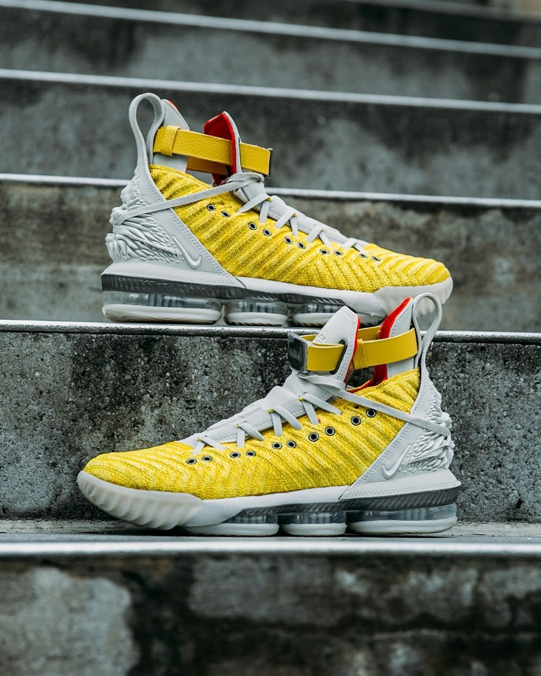 Nike, Foot locker, Nike lebron