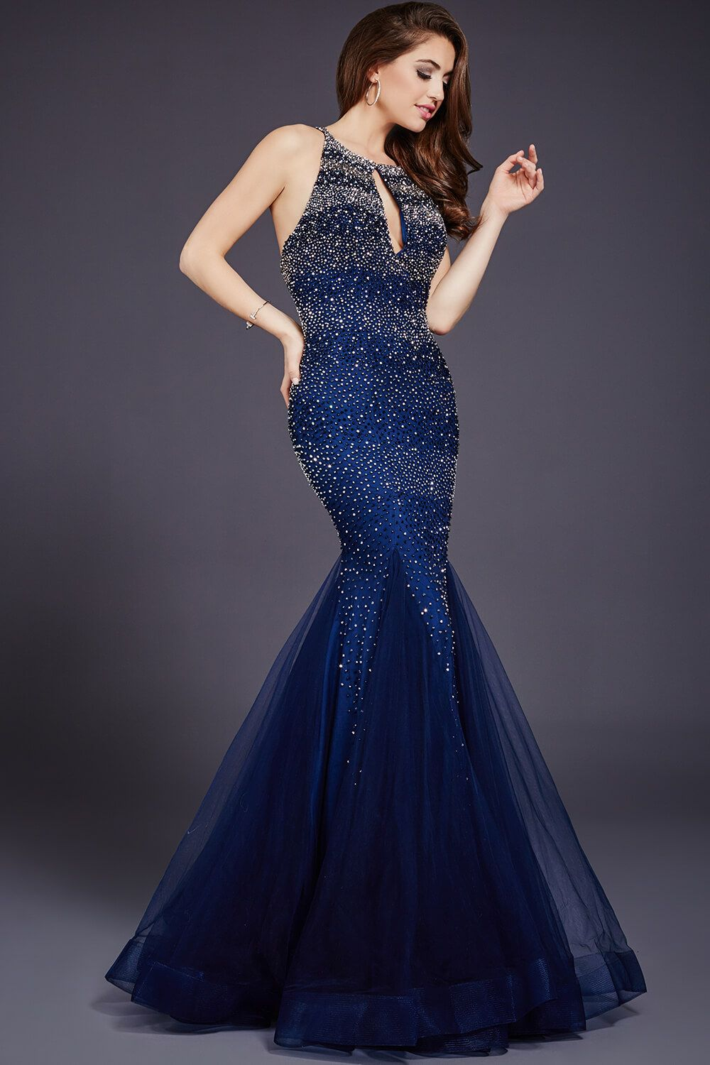 Dazzling sleeveless mermaid dress features a keyhole opening and ...