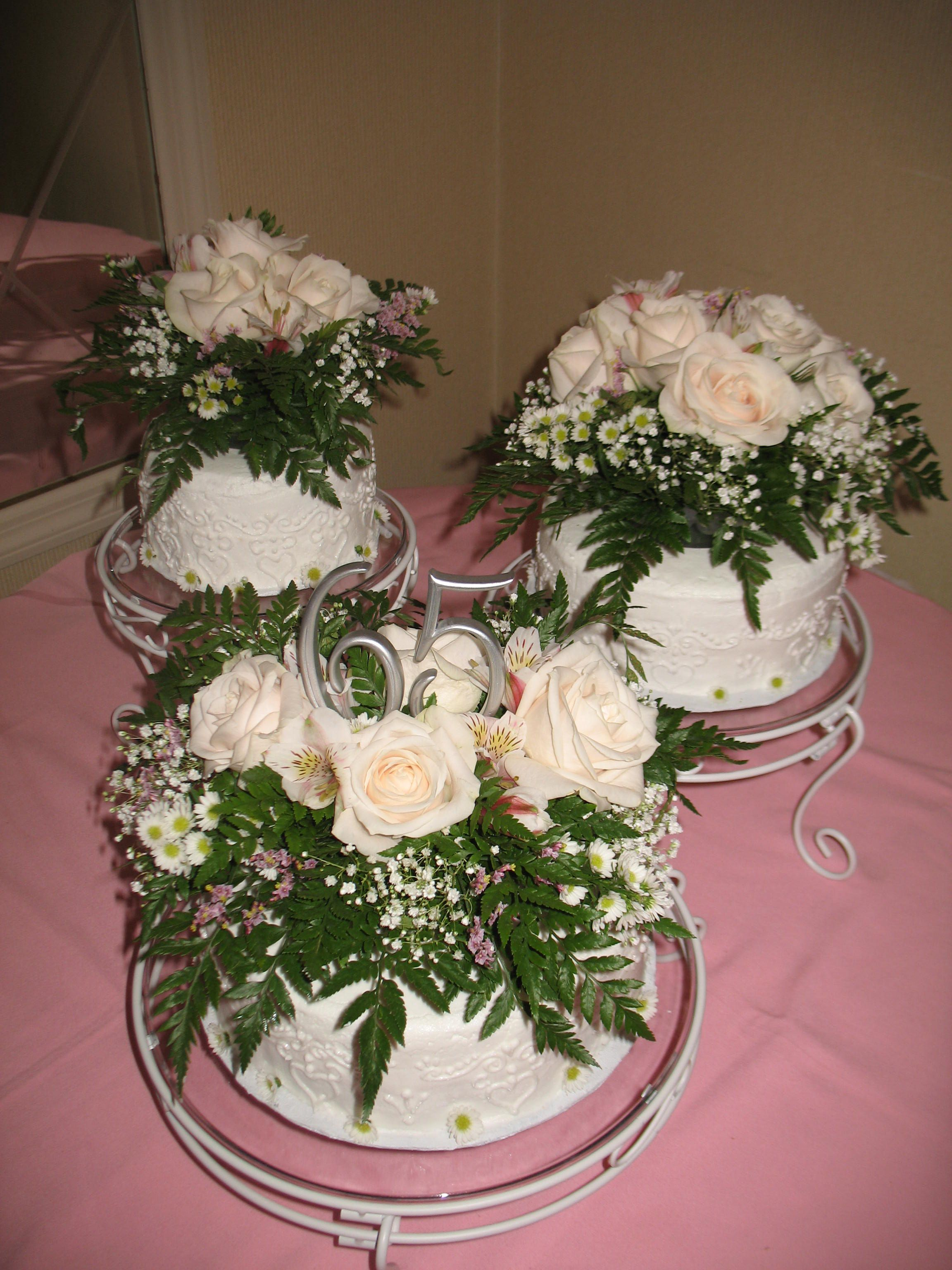 65th wedding anniversary Fresh flowers on top White on