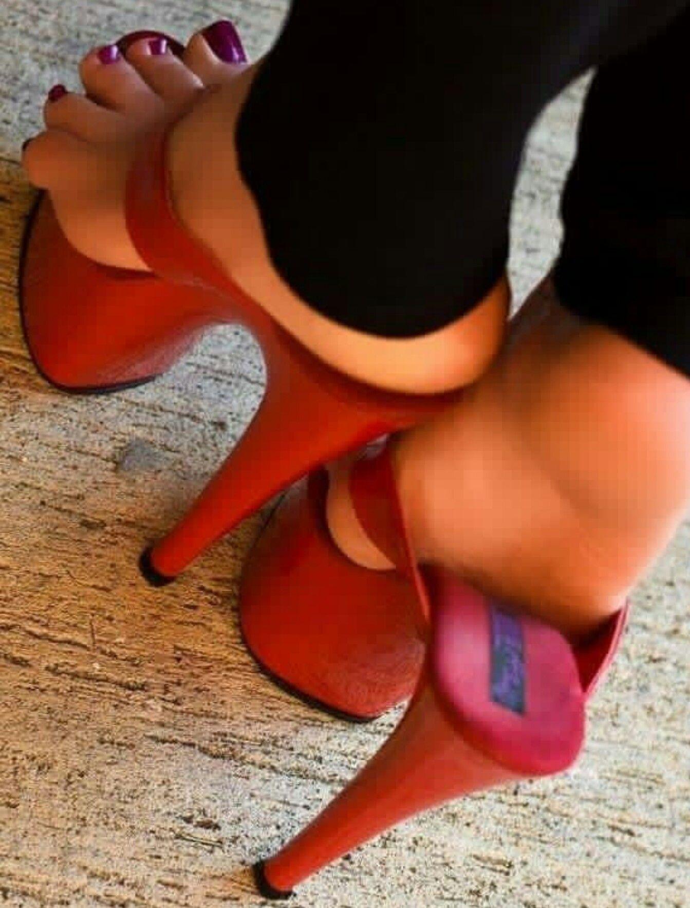 Sexy fuchsia carved wood platform chunky heels