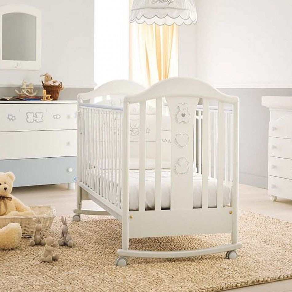 Italian baby cot in white or cream Prestige Classic by Pali Baby