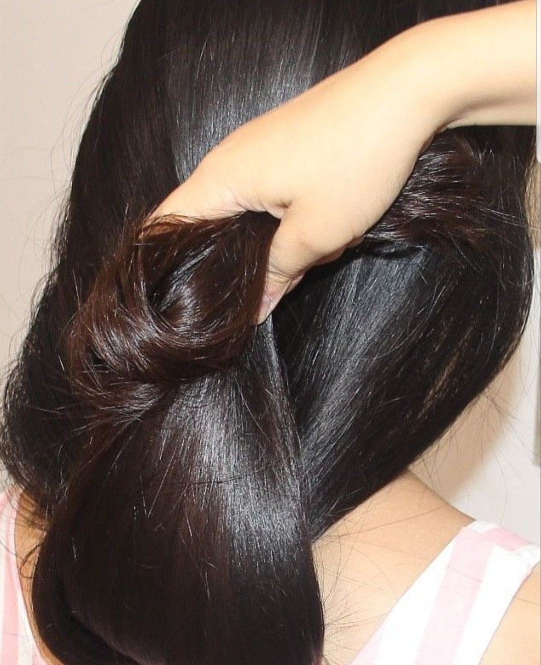 Pin By Susanto Susanto On Long Hair Women Long Hair Styles Long Shiny Hair Long Hair Pictures