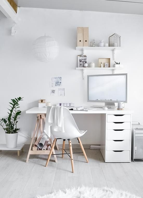 5x inspiration for a minimalist workplace - Eigen Huis en Tuin - A minimalist workplace ensures good concentration and high productivity A minimalist office is good  - #Eigen #Huis #inspiration #Minimalist #minimalistflower #minimalistideas #minimalistoffice #minimalistwallpapers #Tuin #workplace