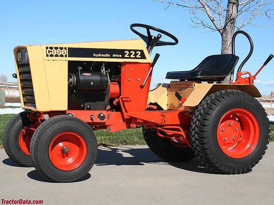 1973 J I Case Model 222 Garden Tractor With Hydraulic Lift