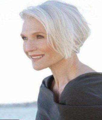 Coupe de cheveux blancs femme