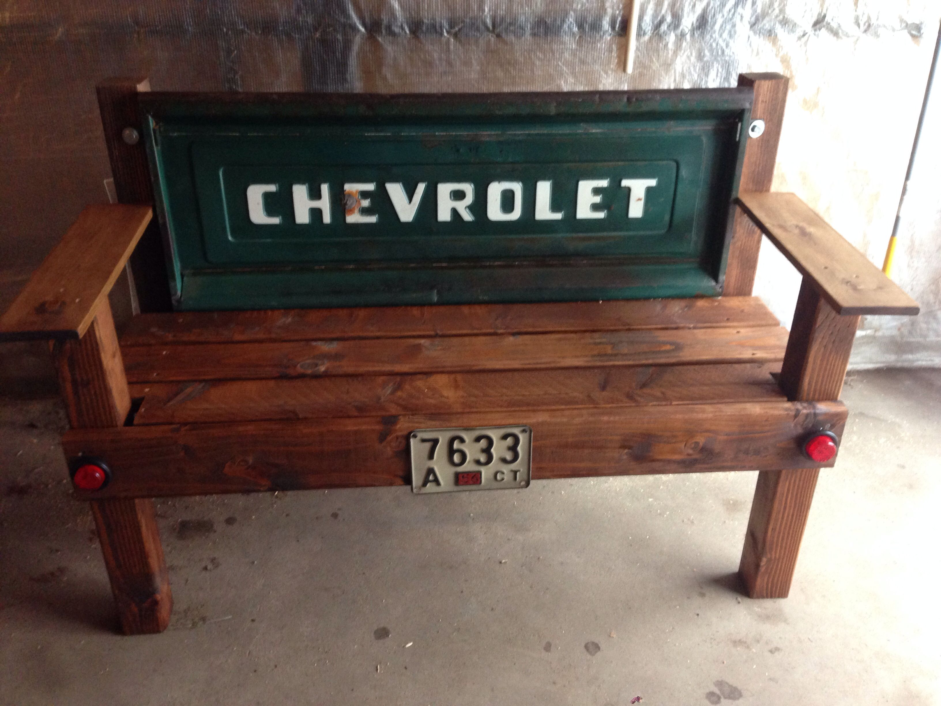 Tailgate Bench Diy With Images Diy Bench Tailgate Bench Custom Furniture