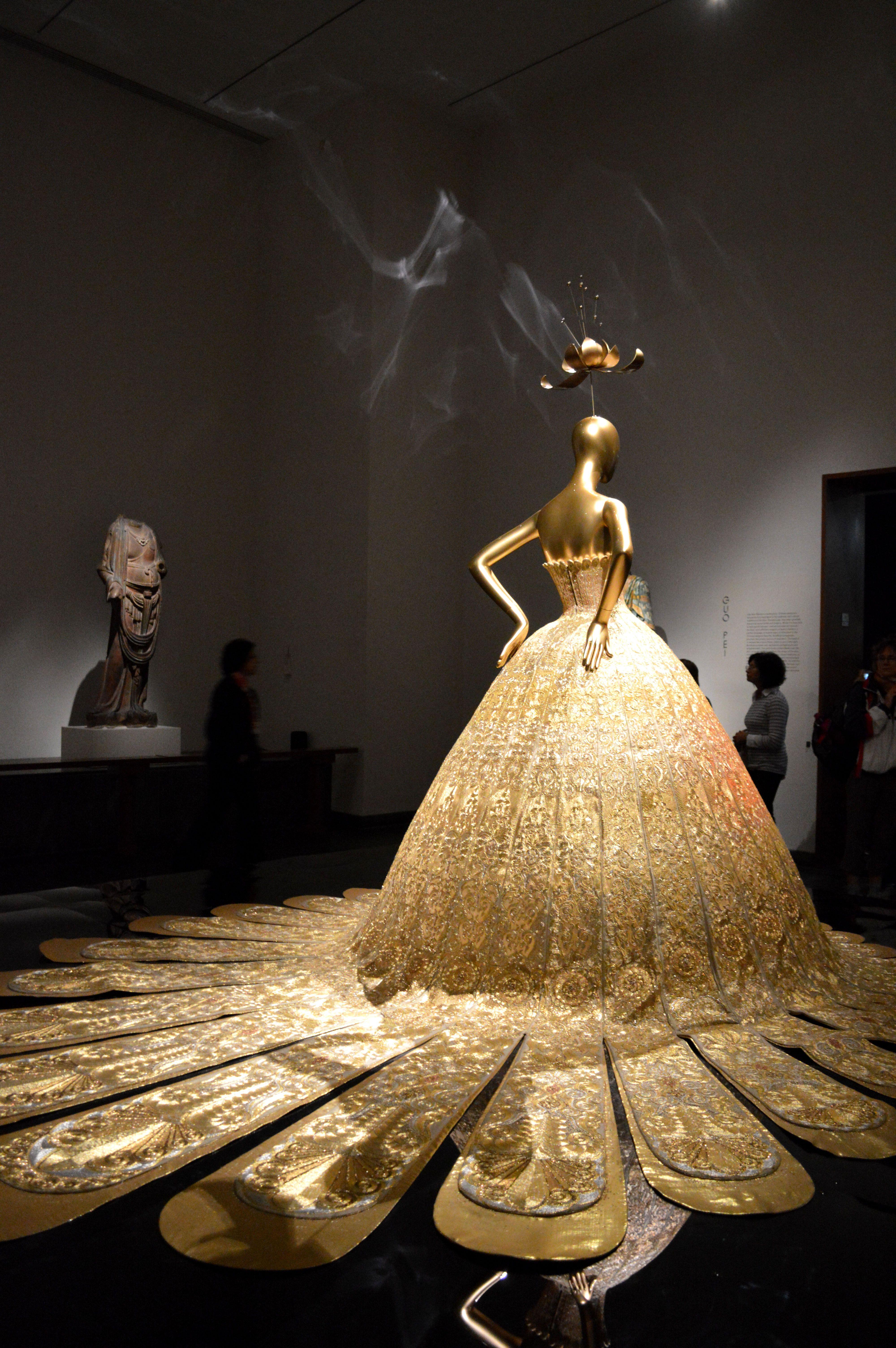China Through The Looking Glass Exhibition Metropolitan Museum Costume Institute Geometric Fashion Fantasy Dress Fantasy Fashion