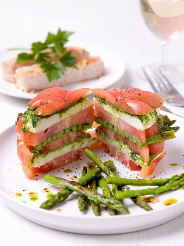 Sandwich met coeur de boeuf, mozzarella, pesto en groene asperges + gebakken kabeljauw