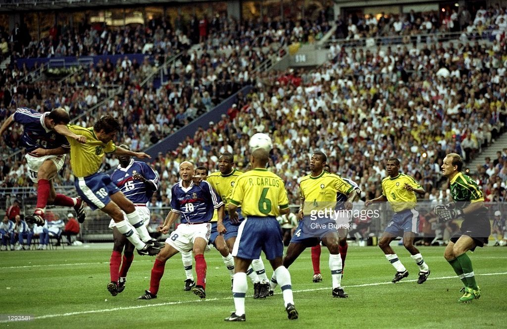 Zinedine Zidane Of France Beats Claudio Taffarel In The Brazil Goal World Cup Zinedine Zidane Fifa