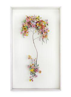 Dies ist eine gepresste Blumenkonstruktion von Anne Ten Donkelaar handkehrum wä…