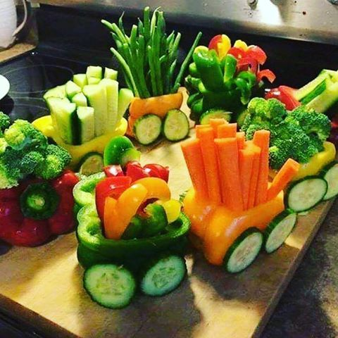 DOUBLE TAP IF this is the CUTEST veggie train you've every seen!   #veggies #veggietrain #eatrealfood #nonGMO #allorganic #allnatural #eatyourveggies #eatyourwayskinny #eatyourwayhealthy #eatyourwayhappy #30daystoanewyou #socallifestyle #lalifestyle #calilifestyle #hollywoodskinny #hollywoodlife #shoppinglessons #learntoeatagain #askmehow #lifestylechangeprogram #madmabskitchen