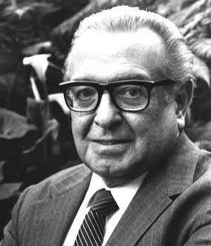 El IMV fue fundado el 15 de Octubre de 1958. Uno de sus fundadores: Arq. Pedro Ramirez Vázquez