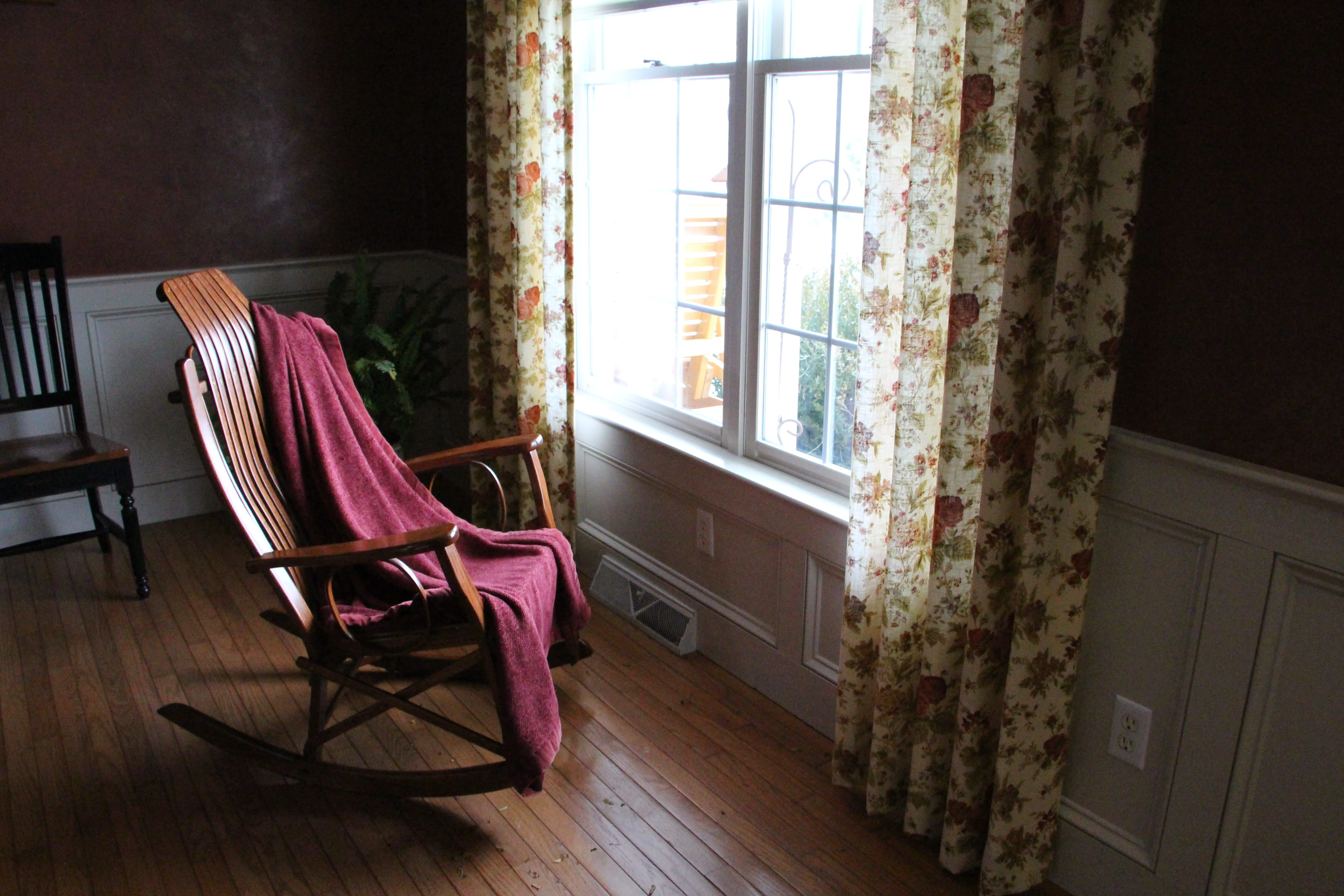 Enjoy The Winter Weather Inside With Peaceful Valley Furniture Rocking  Chair #handcrafted