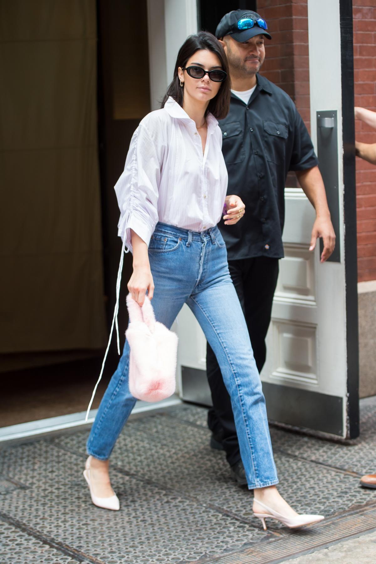 7f85a617fbfb Kendall Jenner wearing Roberi   Fraud Betty Sunglasses