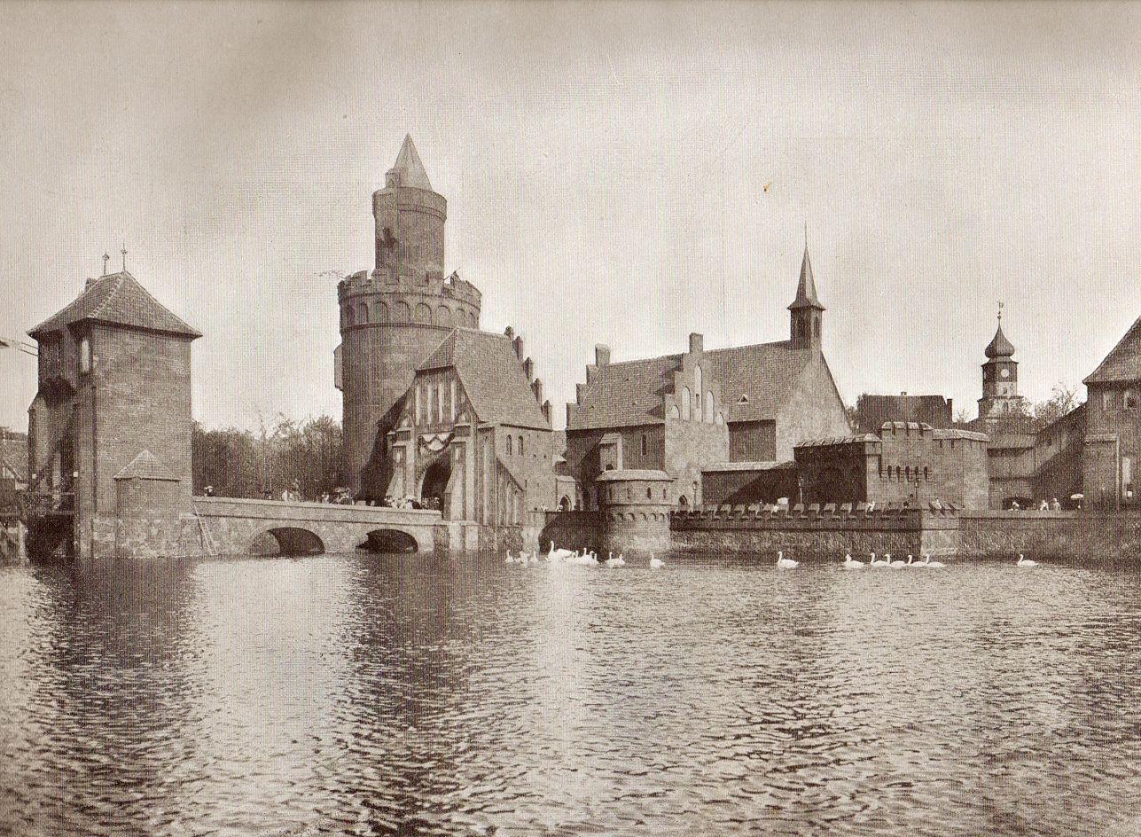 1896 Berlin - Berliner Gewerbeausstellung 1896 im Treptower Park, Alt-Berlin, Blick auf das Spandauer Thor.