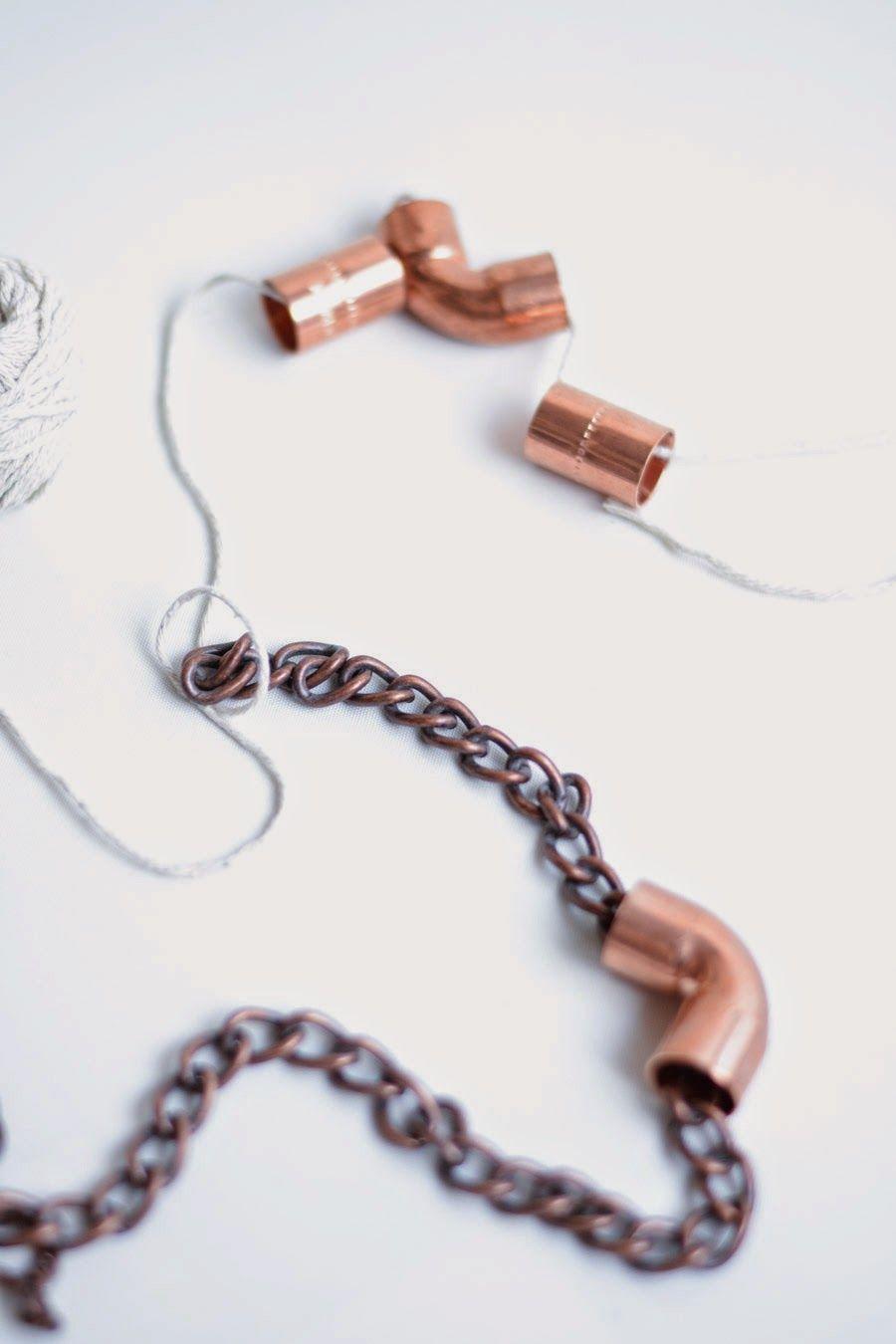 Haz tu collar con piezas diferentes {DIY} : via MIBLOG
