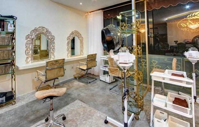 CLEOPATRA LUXURY SALON & DAY SPA is conveniently situated on Batu ...