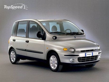 Fiat Multipla It Even Looks Like A Duck From Certain Angles Didn T Anyone At Some Point Through The Design And Development Life Cycle Look This