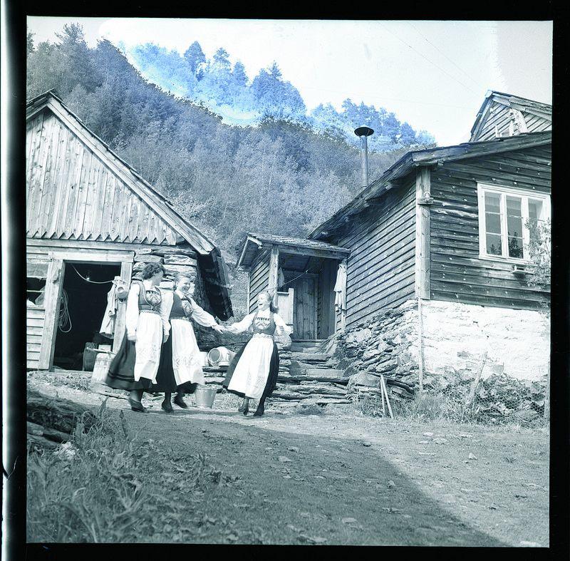 Bondebryllup i Hardanger | by Riksarkivet (National Archives of Norway)