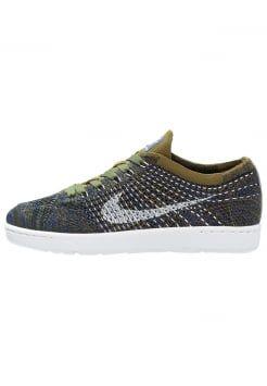 Nike Sportswear - TENNIS CLASSIC ULTRA FLYKNIT - Sneakers laag - olive flak/white/deep royal blue/black