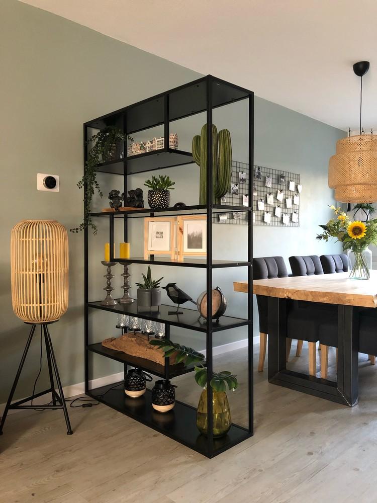5x Ideeen Voor Een Scheidingswand In Je Interieur Boerderij Woonkamers Huis Interieur Minimalistische Woonkamer