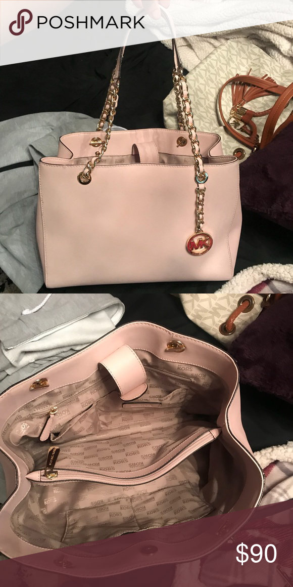 36442bb41e30 MK Shoulder Bag Cute Blush Pink MK Purse with Gold Handle Accents! Bought  about a year ago, have too many purses! Excellent condition!