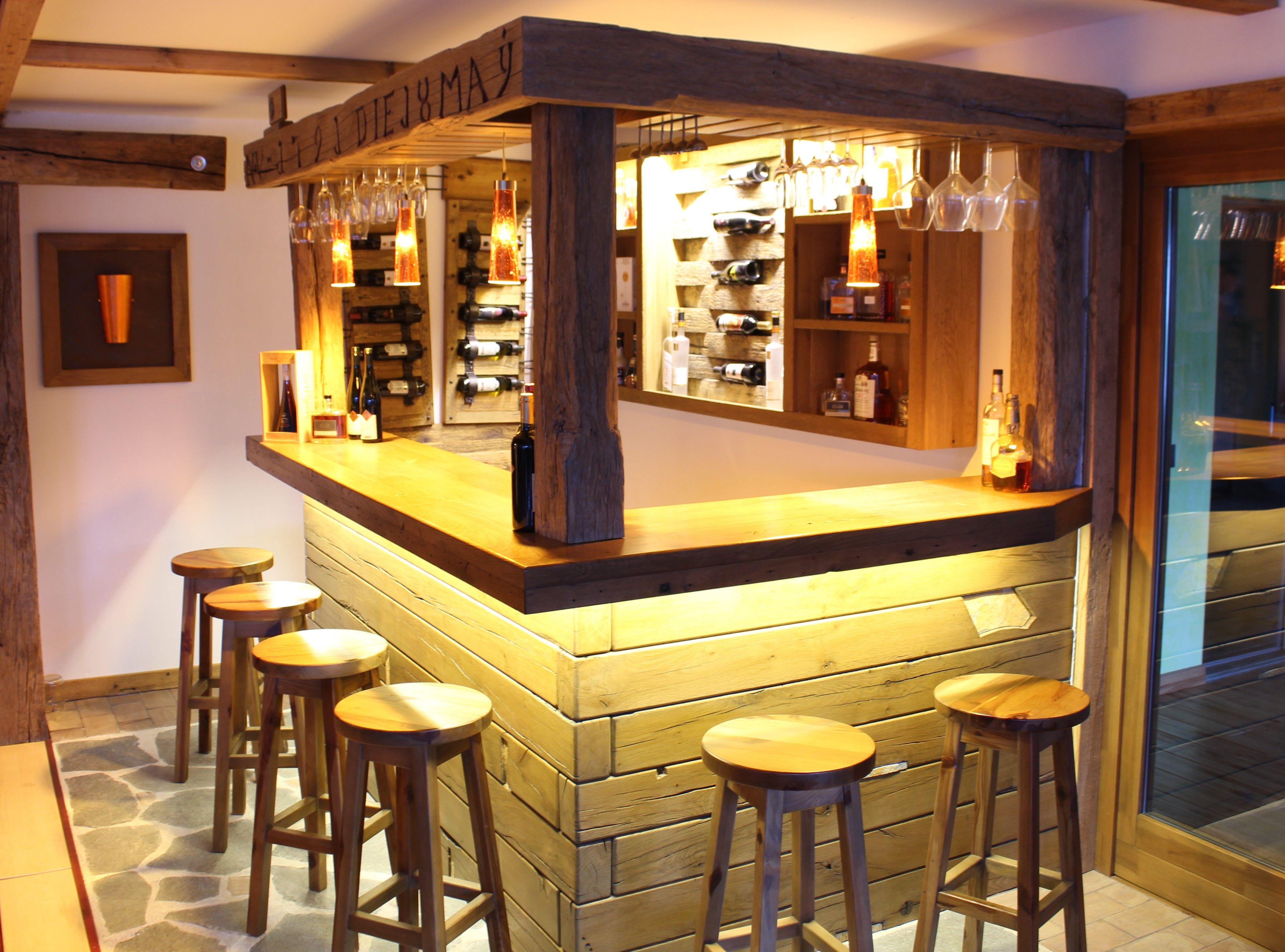 traumhafte bar aus ber 300 jahre altem altholz bar holzbar. Black Bedroom Furniture Sets. Home Design Ideas