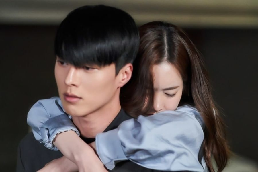"Jang Ki Yong Opens His Heart Up To Jin Se Yeon As He Carries Her Home In ""Born Again"""