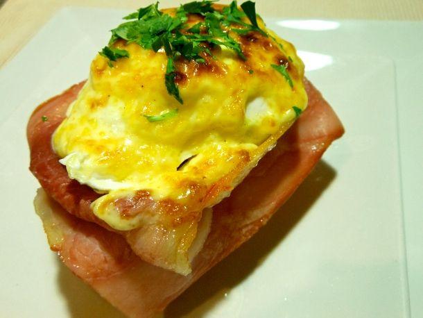 Tostadas con lacón y huevos escalfados   El delantal rojo