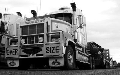 Mack Trucks Hd Wallpaper Mack Trucks Mack Trucks