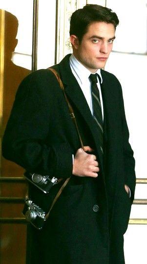 Robert Pattinson on Life set, 3/8/14