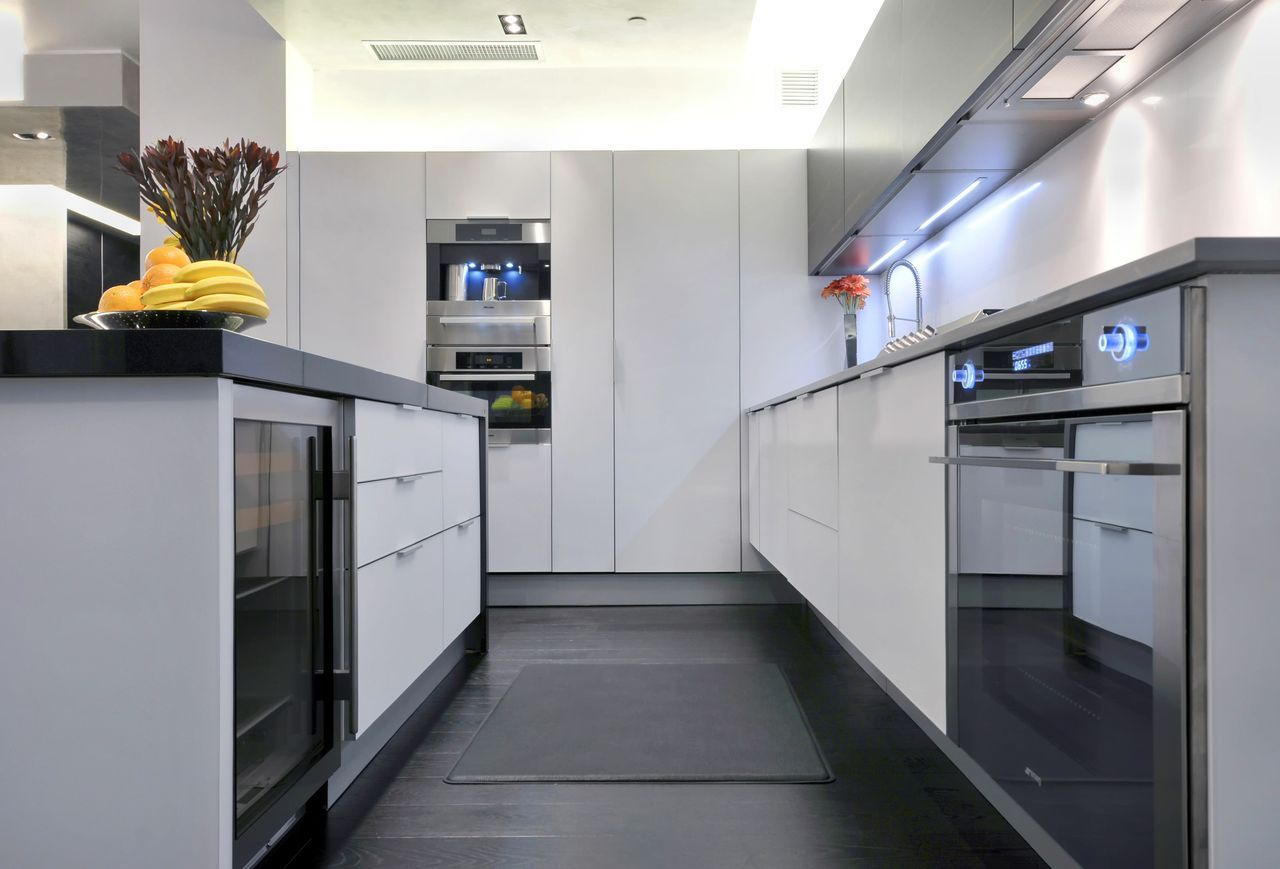 i chose this picture because this kitchen is of modern style ...