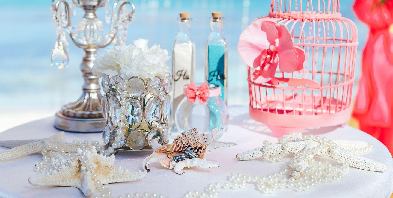 Table decoration on the beach wedding in the Dominican Republic  #weddingdecor #destinationwedding, #chicwedding #weddinginspiration #weddingdestination #wedding #luxeweddingdecor #beachwedding #tropicalwedding