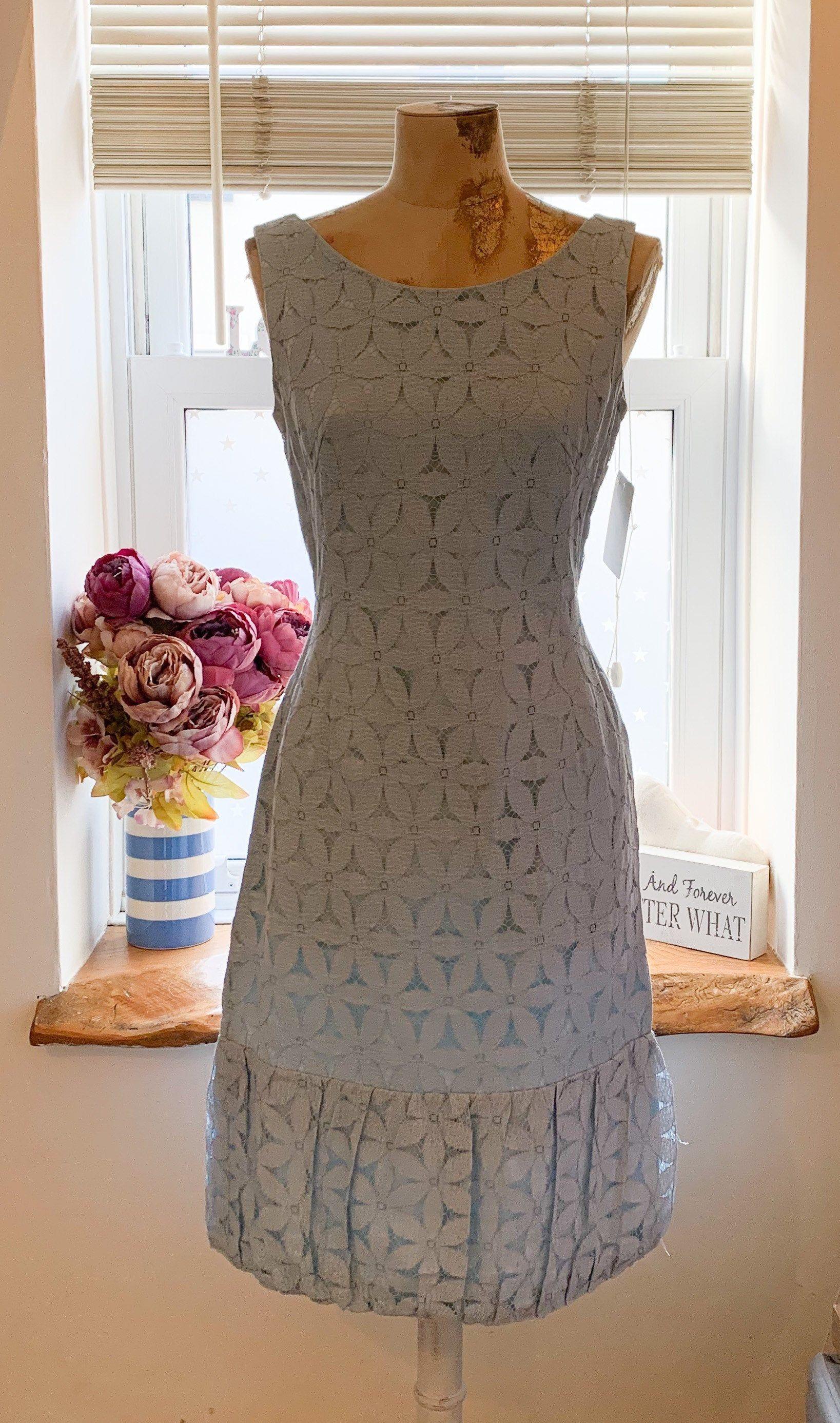 1950 S Shift Dress Vintage Lovely Detailing At Hem With Etsy Vintage Dresses Shift Dress Vintage Dress Blue [ 2773 x 1637 Pixel ]