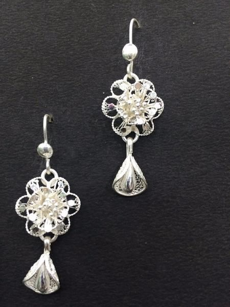 4390ec8821ebe Classic Floral in 2019 | Silver Filigree Earrings - Jewellery ...