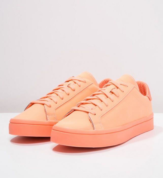 low priced f1d13 ffd00 Adidas Originals COURT VANTAGE ADICOLOR Baskets basses sun glow prix promo Baskets  femme Zalando 85.00 €