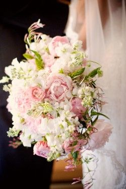 44 best ideas about Trailing and Teardrop Bouquets on Pinterest