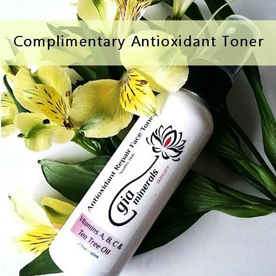 "Say hello to a unique blend with  powerhouse ingredients to gently repair skin remove excess dirt unclog pores and tighten pores. Lovelies shop now until Monday and receive this #complementary  ""Antioxidant Toner"" with purchase over $70.00. No code needed.  #organicbeauty#toxicfree #greenbeauty #crueltyfree #plantbased #cleanbeauty #sustainable #indiebeauty #organiclife #glutenfree #cleaningredients #vegan #antiaging #skincare #antioxidants #provitamin #repairskin #toner #skinlove #skinfood…"