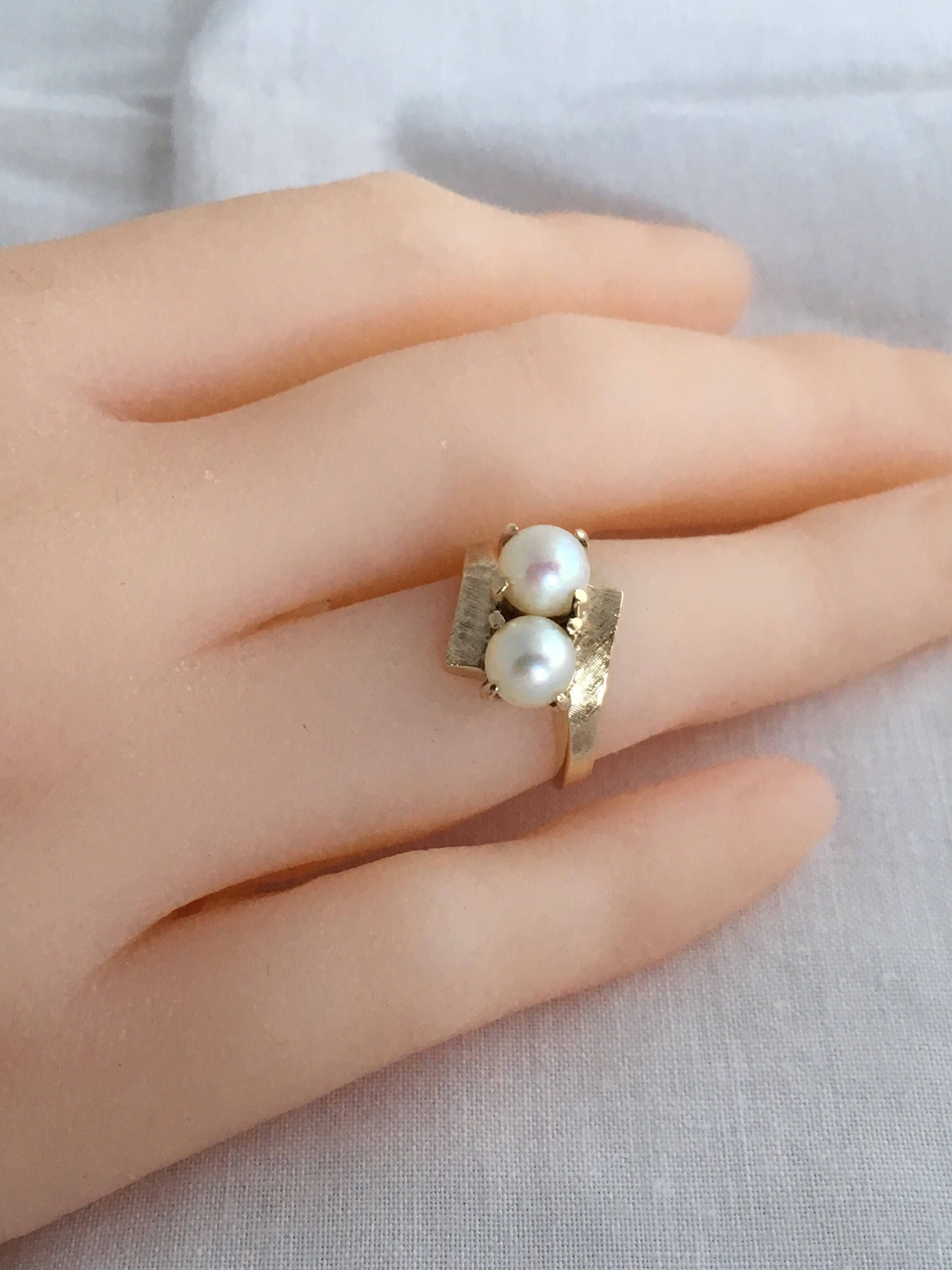 Exquisite 10k Gold Twin Cultured Pearls Brushed Solid Gold Etsy Vintage Rings Vintage Engagement Rings Wedding Rings Vintage
