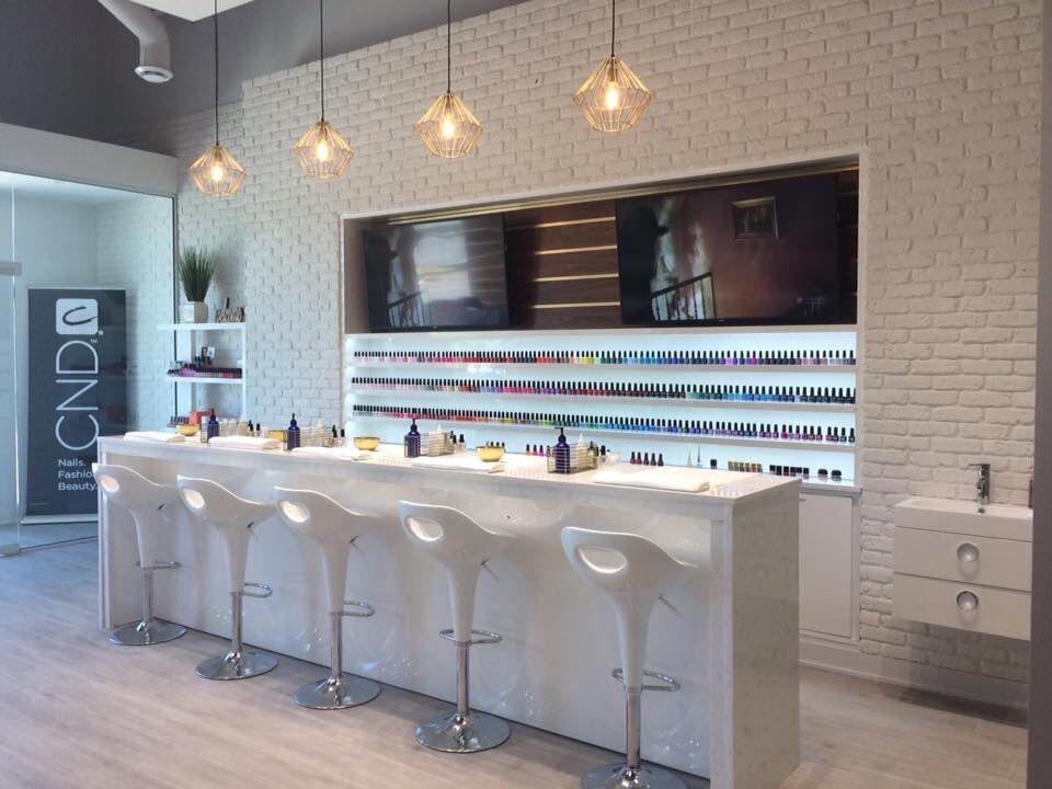 Lux Bar Ongles 5955 Boul Cousineau St Hubert Qc Canada Bar A Ongles Decoration Salon De Beaute Idee Deco Salon