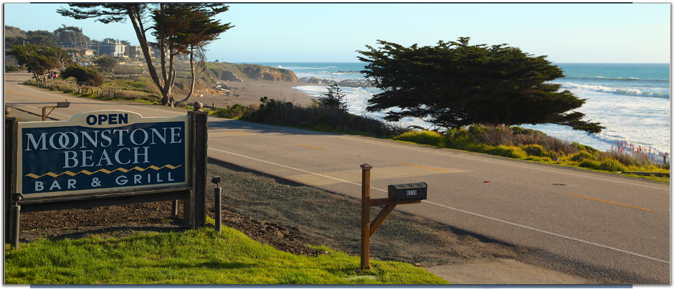 Sign At The Moonstone Beach Bar And Grill Oceanfront Restaurant In Cambria
