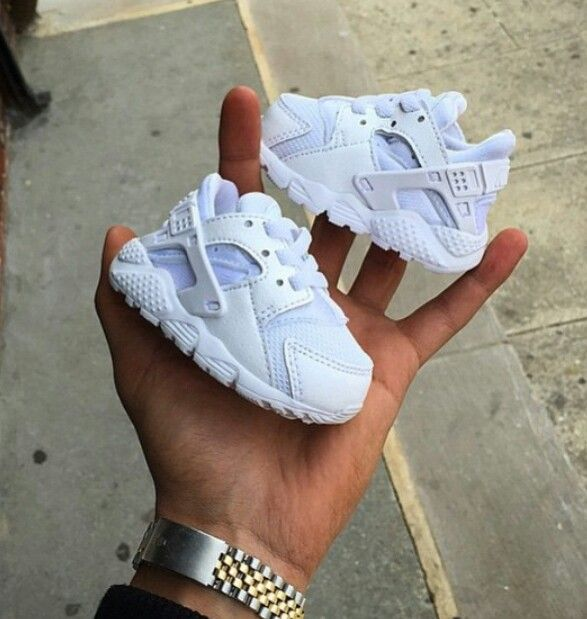 nike huarache infant white