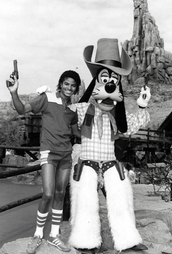 The History of Michael Jackson: at Disneyland (and My 1st Trip There!) — mjfangirl