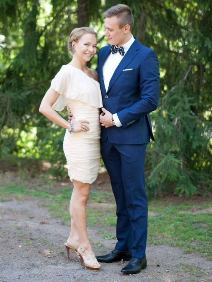 Styles for wedding guests. Pale pink dress, nude heels, fierce ...