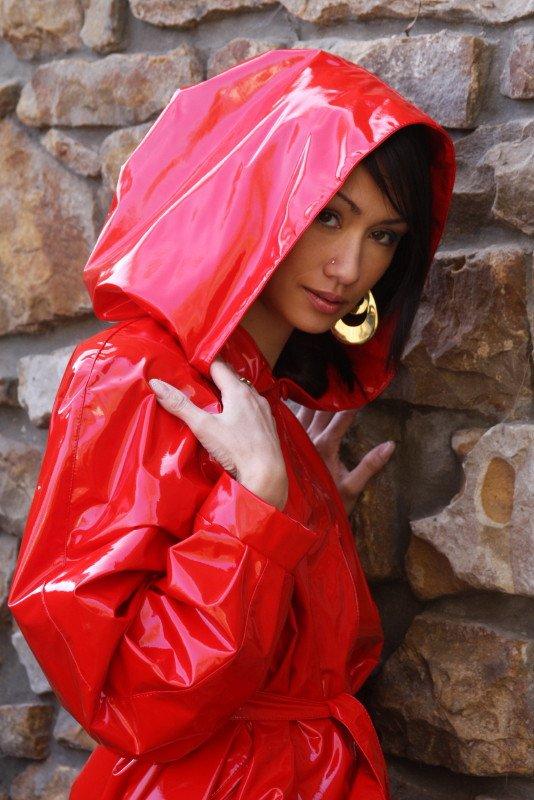 Pin by Piettrro on LADIES RAINWEAR Rainwear girl, Puffer