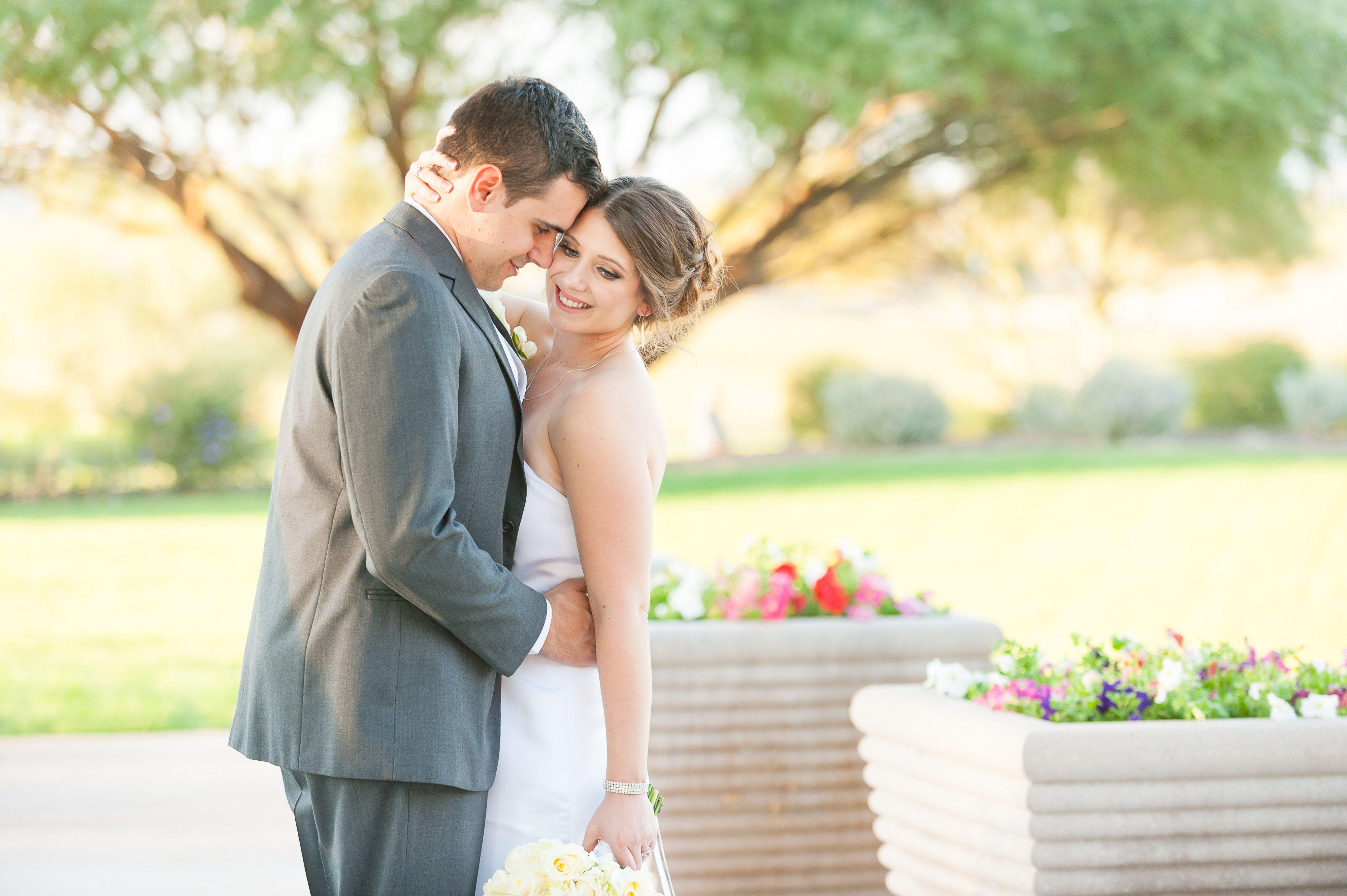 Love this pose! | Trilogy at Vistancia Weddings | Arizona Wedding Venue | Leslie Ann Photography