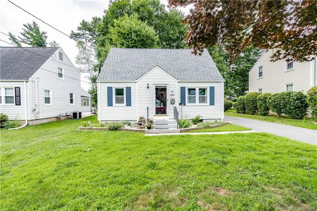 83 Edgemont Ave West Hartford Ct 06110 4 Bed 2 Bath Single Family Home Mls 170315737 27 Photos Trulia In 2020 West Hartford Home And Family Farm Shed