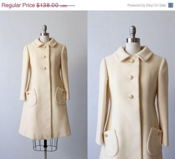 SALE 1960s Wool Coat / Princess Coat / Peter Pan Collar / Cream / Alabastar