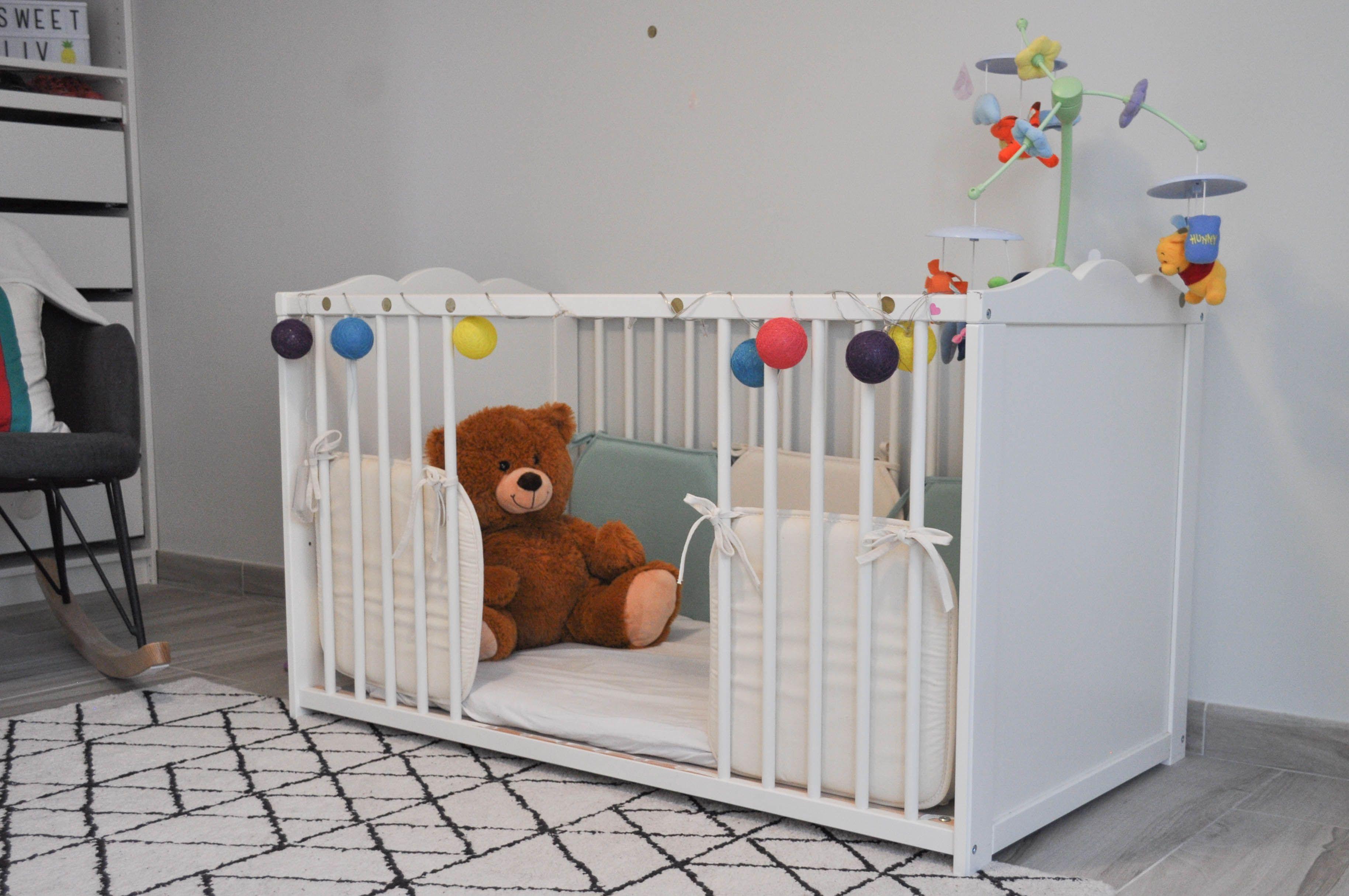Le Lit De Bebe Facon Montessori On A Essaye Et Echoue Lit Bebe Ikea Lit Bebe Lit Barreau